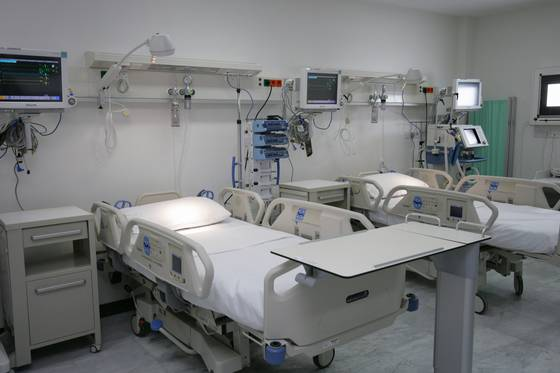 Intensiv care unit, ICU